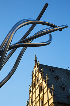 Modern sculpture and rathaus city hall, Schweinfurt, Franconia, Bavaria, Germany