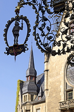 Town hall on the market square with cafe sign, Quedlinburg, Harz, Saxony-Anhalt, Germany, Europe