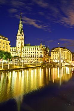 Illuminated city hall of Hamburg, Binnenalster, Hamburg, Germany