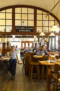 Traditional tavern Schneider im Tal, Munich, Upper Bavaria, Bavaria, Germany