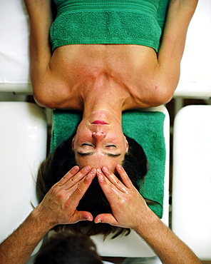 Woman having an Ayurveda head massage, Wellness Hotel, Spa Area, Spa Hotel Seehotel Neuklostersee, Mecklenburg - Western Pomerania, Germany