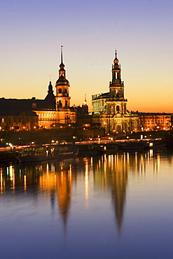 Deutschland, Dresden,Skyline, River Elbe at sunset Hofkirche illuminated