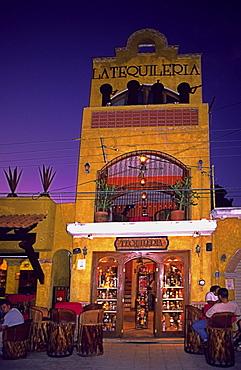 Mexico, Yucatan, Playa del Carmen, Tequileria, Bar