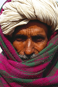 Old man with turban, Rajasthan, India, Asia