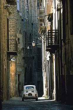 Fiat 500, Cinquecento, alley, Palermo, Sicily, Italy
