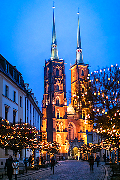 Wroclaw Cathedral in the evening, St. John the Baptist Cathedral, Cathedral Island, Ostrów Tumski, Wroclaw, Poland, Europe