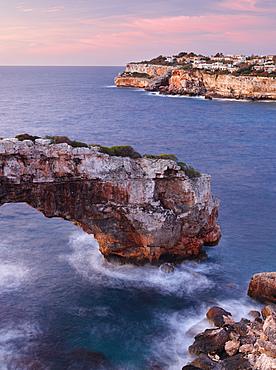Es Pontas rock arch near Santanyi, Mallorca, Balearic Islands, Catalonia, Spain