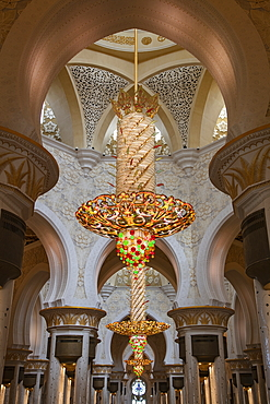 Interior view of the Sheikh Zayed Grand Mosque (Sheikh Zayed Bin Sultan Al Nahyan Grand Mosque), Abu Dhabi, Abu Dhabi, United Arab Emirates, Middle East