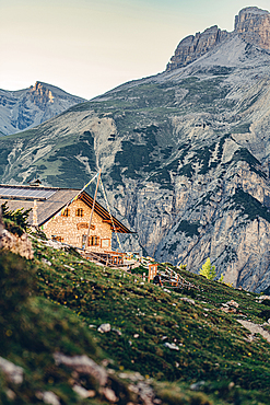 Mountain hut at the Drei Zinnen in the Sesto Dolomites, South Tyrol, Italy, Europe;