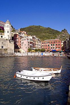 Boats in the harbour, church S. Margherita, Vernazza, Cinque Terre, La Spezia, Liguria, Italian Riviera, Italy, Europe