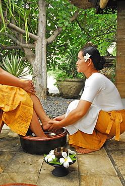 Massage at the spa of the Matahari Hotel, Pemuteran, Bali, Indonesia, Asia