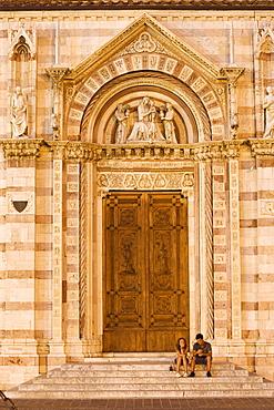 Side entrance, San Lorenzo nella Cattedrale, Piazza Dante Alighieri, Grosseto, Tuscany, Italy