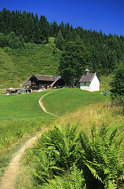 alpine hut Steineralm with chapel, Hochstufen, Steiner-Alm, Chiemgau range, Chiemgau, Bavarian foothills, Upper Bavaria, Bavaria, Germany