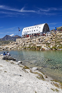 Mountain hut Rifugio Vittorio Emanuele II, Gran Paradiso Nationalpark, Aosta valley, Italy