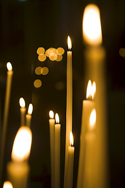 Candles in St. Andrew's Cathedral, Bordeaux, Gironde, Aquitane, France, Europe