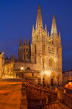 Burgos cathedral in teh evening light, Gothic, Camino Frances, Way of St. James, Camino de Santiago, pilgrims way, UNESCO World Heritage Site, European Cultural Route, province of Burgos, Old Castile, Castile-Leon, Castilla y Leon, Northern Spain, Spain, Europe