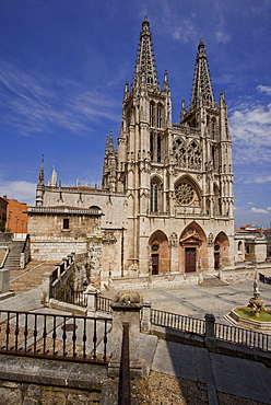 Cathedral in the sunlight, Burgos, Province of Burgos, Old Castile, Castile-Leon, Castilla y Leon, Northern Spain, Spain, Europe
