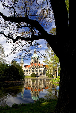 Lake Maschsee and New Town Hall at Hannover, Lower Saxony, Germany, Europe