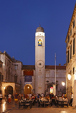 Stradun with town hall and clock tower in the evening, Old Town, Dubrovnik, Dubrovnik-Neretva county, Dolmatia, Croatia