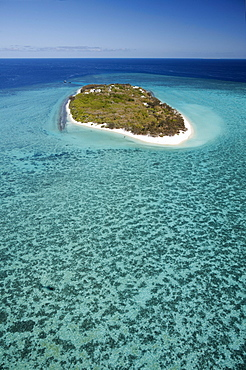 Heron Island and coral from above, Great Barrier Reef Marine Park, UNESCO World Heritage Site, Queensland, Australia