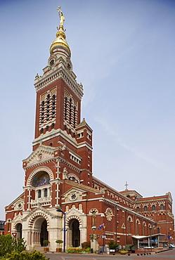 Basilica Notre Dame de Brebieres Basilica at Albert, Pays de Coquelicot, Dept. Somme, Picardie, France, Europe