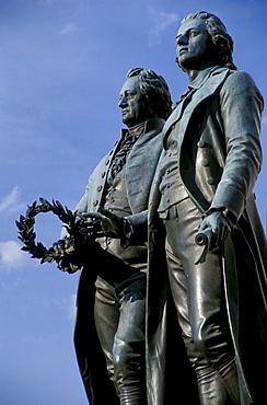 Goethe und Schiller Denkmal, Weimar, Thueringen Deutschland, Europa