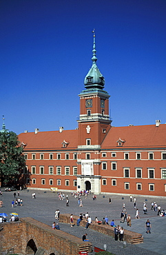 Royal Castle and Castle Square under blue sky, Warsaw, Poland, Europe