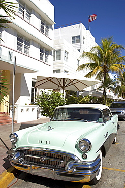 Vintage Car, Ocean Drive, South Beach, Miami, Florida, USA