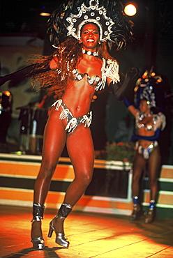 Woman in carnival costume, Brazilian dance troupe, carnival, Rio de Janeiro, Brazil