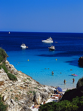 Beach life, Bay at CalÛ Blanc, Menorca Spanien