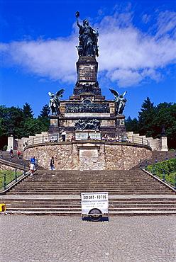 People in front of Niederwald monument in the sunlight, Ruedesheim, Rheingau, Hesse, Germany, Europe