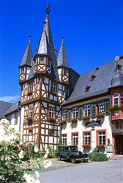 Siegfried's mechanical music cabinet under blue sky, Museum, Ruedesheim, Rheingau, Hesse, Germany, Europe