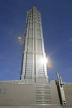 Jinmao Tower, Pudong, Center of Pudong, Lujiazui, Jin Mao Tower, 421 meter high, steel and aluminium fassade, 53rd to 87th floor, 53.-87, Grand Hyatt Hotel, Jin Mao, style of a pagoda