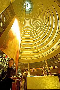 Jinmao Tower, Pudong, Center of Pudong, Lujiazui, Jin Mao Tower, 421 meter high, steel and aluminium fassade, 53rd to 87th floor, 53.-87, Grand Hyatt Hotel, Jin Mao, waiter, interior