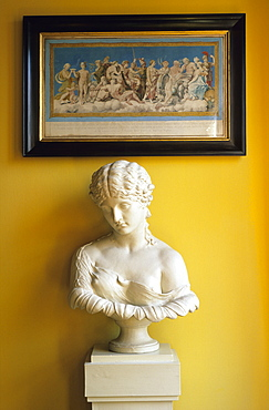 Europe, Germany, Thuringia, Weima, Goethe's House, the yellow room with a bust