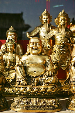 golden Buddha statues, shop in Taihuai, Wutai Shan, Five Terrace Mountain, Buddhist Centre, town of Taihuai, Shanxi province, China, Asia