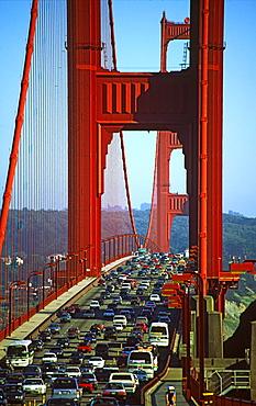 California San Francisco goln gate bridge traffic