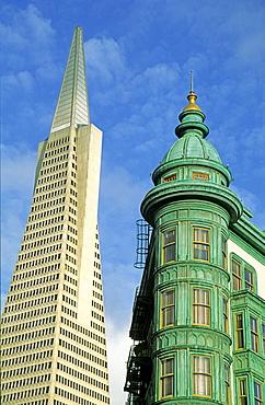 USA CA San Francisco Transamerican Pyramid and historical building