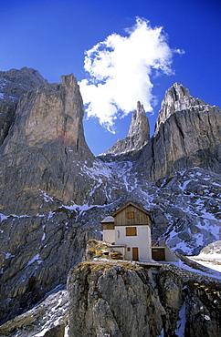 alpine hut Preusshuette in Rosengarten range, Dolomites, South Tyrol, Alta Badia, Italy
