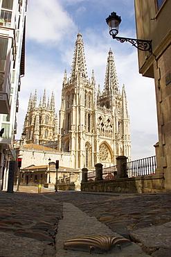 View of cathedral, Catedral Santa MarÃŒa and scallop shell, Burgos, Castilla Leon, Spain