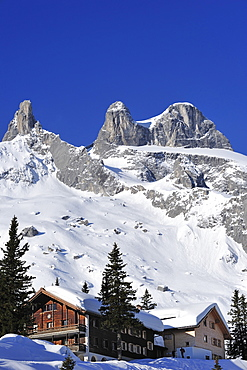 Hut, Lindauer Huette with Drei Tuerme in the background, Raetikon, Montafon, Vorarlberg, Austria