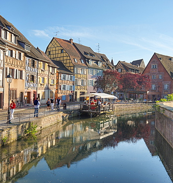 Half timbered houses at the river Lauch, Little Venice, Colmar, Alsace, France, Europe