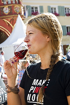 People drinking a glass of wine at the wine festival, July 2012, Freiburg im Breisgau, Black Forest, Baden-Wuerttemberg, Germany, Europe