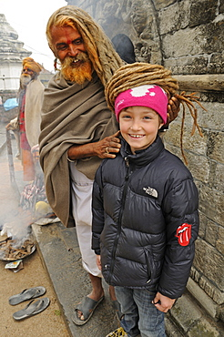 Sadhu with Rasta locks, Asket with child, Pashupatinath, Kathmandu Valley, Nepal