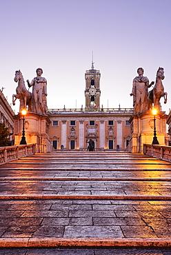Cordonata capitolina, staircase leading towards statues of Castor and Pollux in the evening, architect Michelangelo, Senatorial Palace in background, illuminated, Capitoline Hill, UNESCO World Heritage Site Rome, Rome, Latium, Lazio, Italy