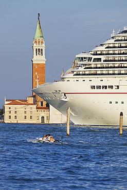 Cruise Ship in front of the San Giorgio Maggiore, Venice, Italy