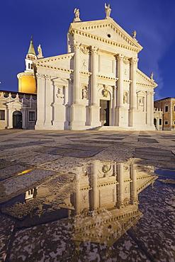 Fassad of the church San Giorgio Maggiore, Venedig, Italien