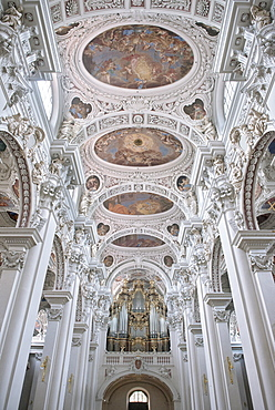 Interior view of the ceiling paintings in St. Stephan's cathedral, old town of Passau, Lower Bavaria, Bavaria, Germany