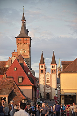 View of St. Kilian's cathedral from the old Main River bridge, Wuerzburg, Franconia, Bavaria, Germany