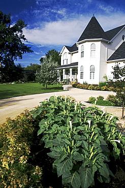 House and Garden, Lorette, Manitoba